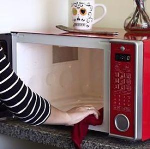 limpiar un microondas