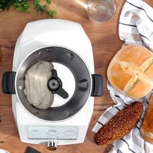 ¿Existe algún robot de cocina que haga pan?